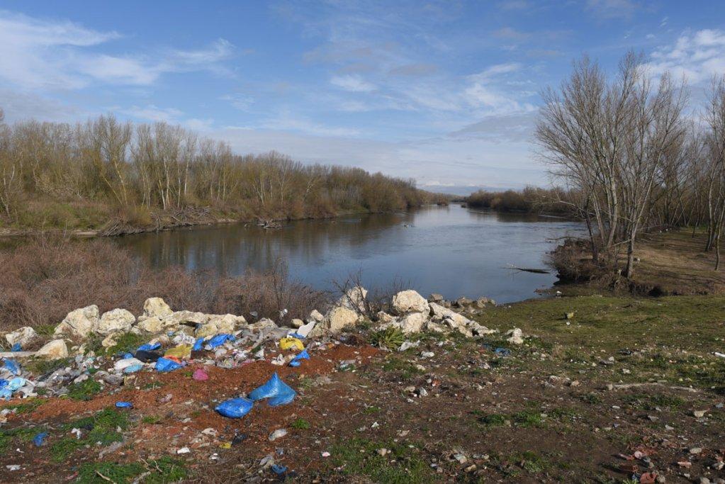 Le fleuve Evros dlimite une partie de la frontire entre la Grce et la Turquie Les migrants le traversent sur des petits bateaux pneumatiques Mehdi Chebil
