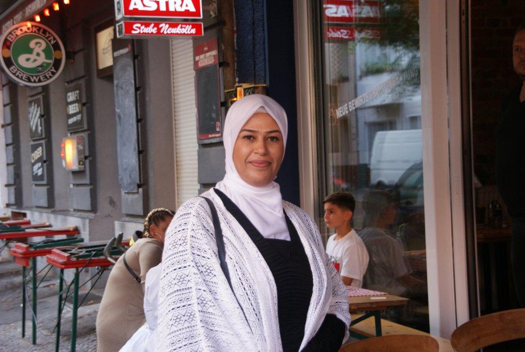 أماني أبو ناصر إحدى المشاركات في الرحلة إلى برلين