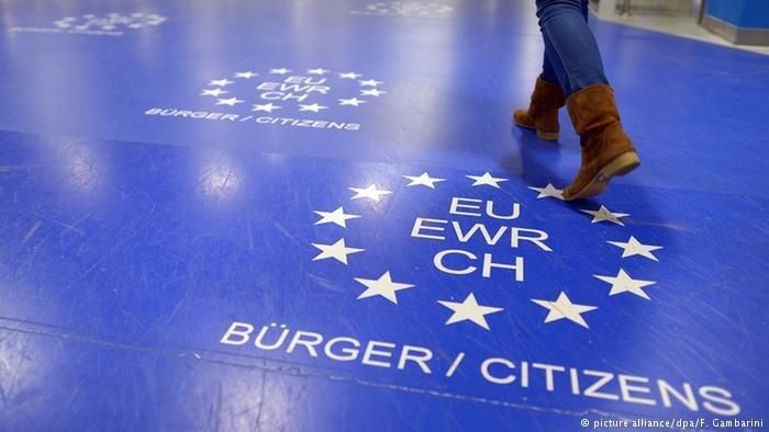 کمیسیون اتحادیه اروپا خواستار پایان بخشیدن روند کنترول در حوزه شینگن گردید.