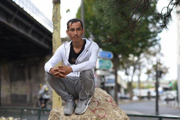مهاجر أفغاني، في منطقة بورت دولا شابيل، في باريس. 14 آب/ أغسطس 2018  مصدر: مهاجر نيوز