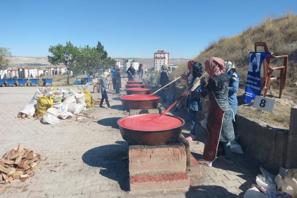 برنامه های تولیدی برای زنان. عکس: انجمن همبستگی و همدردی با پناهندگان افغان در ترکیه