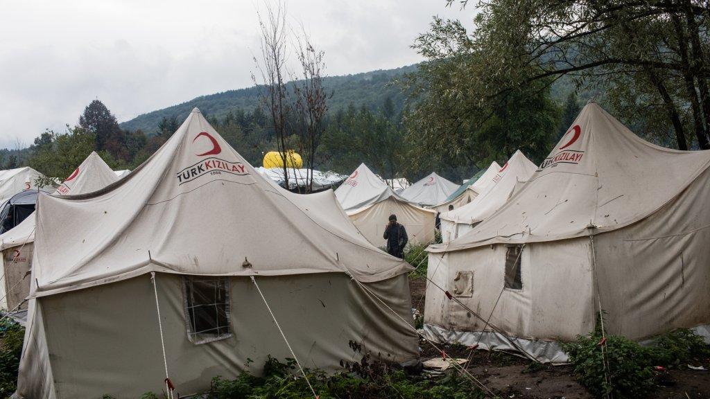 le camp de Vucjak n'a ni eau courante, ni électricité. Depuis le 21 octobre, la mairie de Bihac a cessé d'approvisionner le camp en eau potable. Crédit : Jeanne Frank/ Item pour InfoMigrants