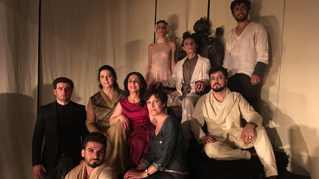 The troupe from the Pierre Claver school performed Britannicus at the Mathurins Theatre in Paris. Cast members include (from left to right) Kakhaber Mchedlishvili, Tofan Dulat Zay (first row), Chaza Sayegh, Nawal Aboubaki, Khulud Mohammad, Rahman Amiri, Yara Alhasbani, Montasser Idhhiba and Ramin Sediqi. (Photo: InfoMigrants)