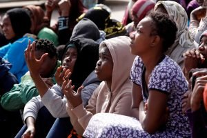 نساء مهاجرات في أحد مراكز الاعتقال في طرابلس ليبيا صورة / رويترز