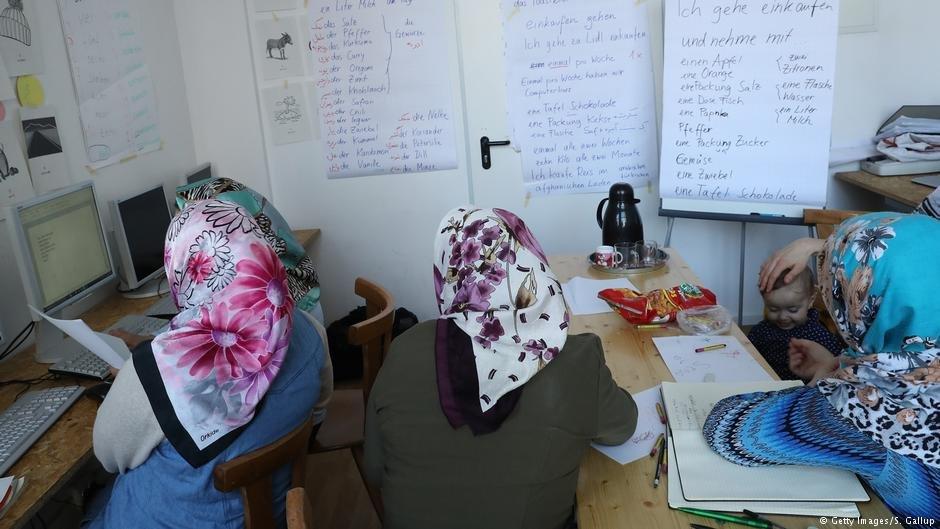 زنان مهاجر دریکی از صنف های درسی در آلمان
