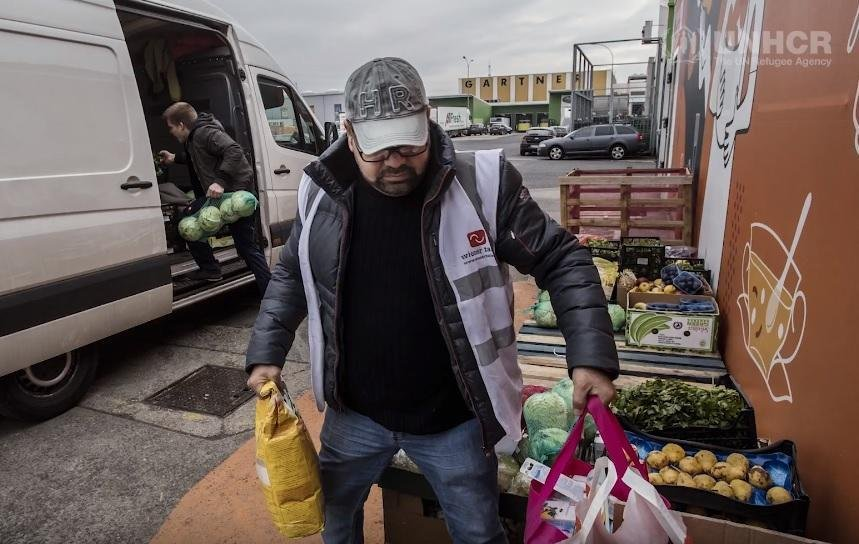 The Austrian NGO distributes food that would otherwise be thrown away | Credit: UNHCR