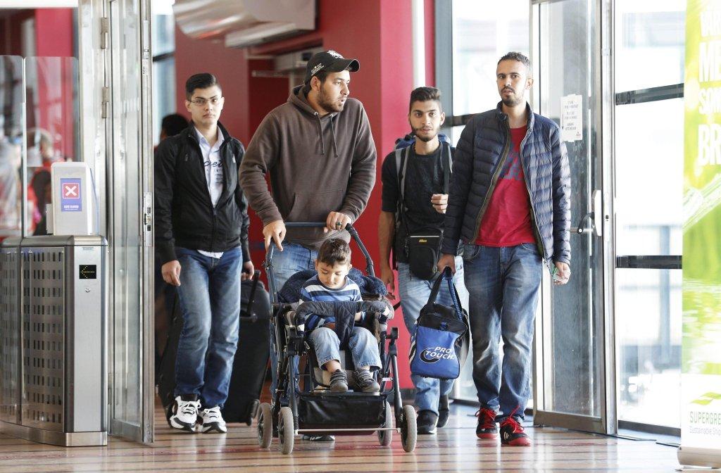 مهاجرون يصلون إلى جوتيبورغ في السويد. المصدر: إي بي إيه/ آدم إيسي. ANSA