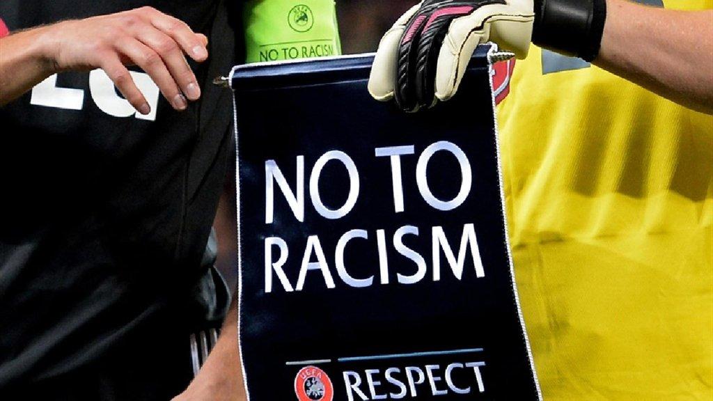 ANSA / شعار المبادرة كرة القدم ضد العنصرية في أوروبا / أنسا