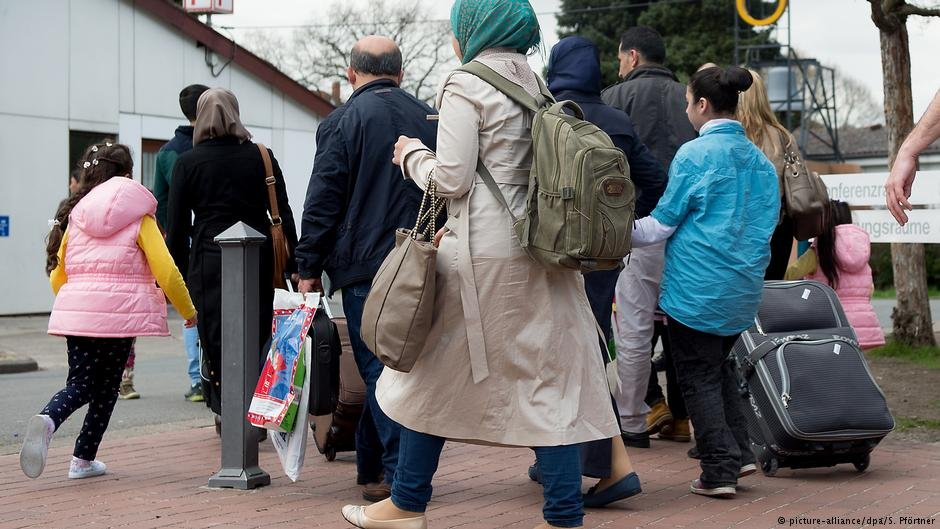 People under subsidiary protection have had to wait for family reunifications to be allowed | Photo: picture-alliance/dpa/S. Pförtner