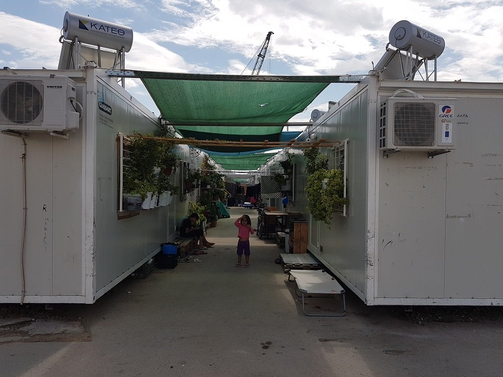 مخيم سكاراماغاس أثينا اليونان / حاويات مجهزة / حقوق الصورة شريف بيبي
