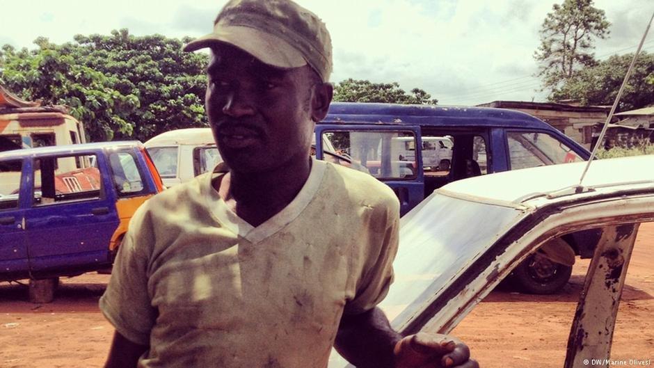 Le Ghanéen Isaac Frimpong est part trois fois en Libye en une dizaine d'années. Photo: DW/Marine Olivesi
