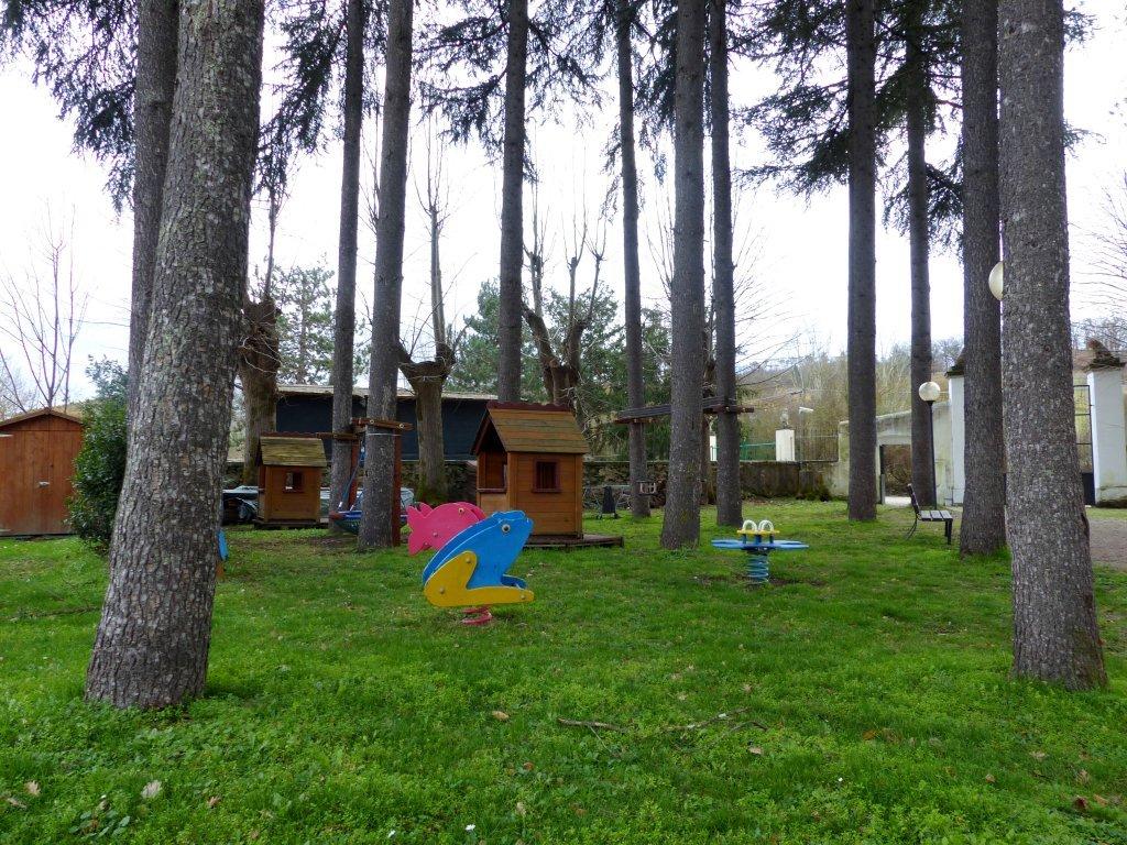 میدان بازی کودکان در روستای لا بروچی، عکس از میکائلا کاواناگ