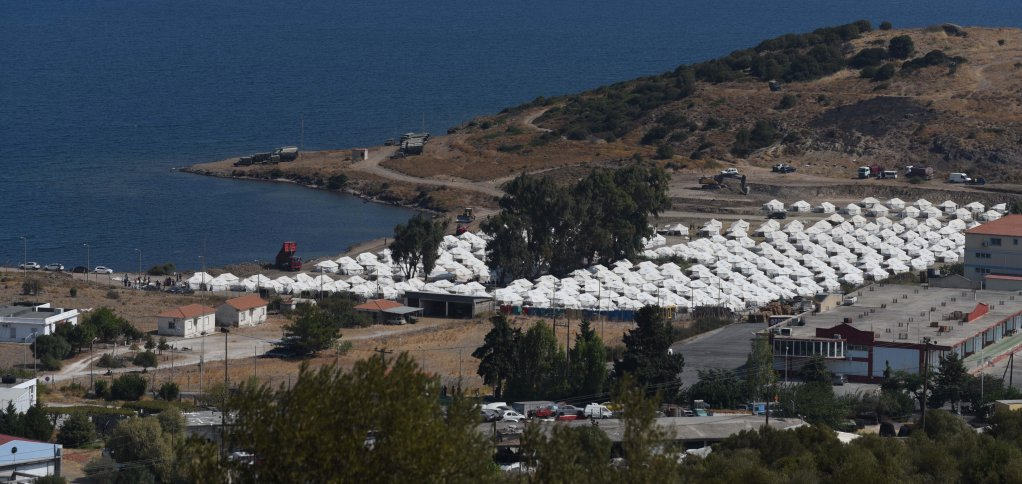 Hundreds of tents have been erected to host 3,000 migrants