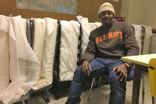 Mohamed, demandeur d'asile, est originaire de Guinée. Crédit : InfoMigrants