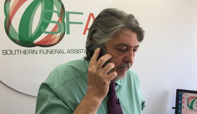 Dans les locaux de son entreprise de pompes funbres  proximit du dtroit de Gibraltar Martin Zamorra soccupe depuis 20 ans didentifier et de rapatrier les corps de migrants morts en mer Crdit  David Gormezano