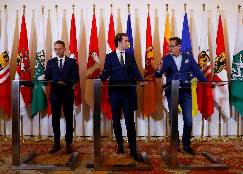 """L'Autriche se dit prête à """"protéger ses frontières"""" après l'accord allemand sur les migrants. Crédit : Reuters"""