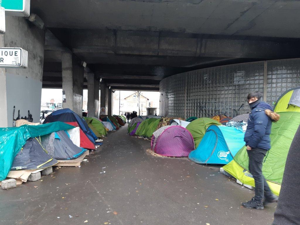 Depuis son arrivée en France, Mohamed a vécu dans une tenter, dans le nord de Paris. Crédit : Mohamed