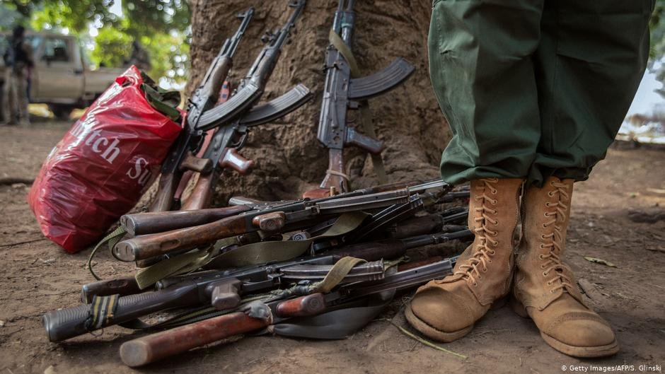 Boys are more likely to be forced to become child soldiers while girls face higher rates of sexual abuse | Photo: Getty Images/AFP/S.Glinski