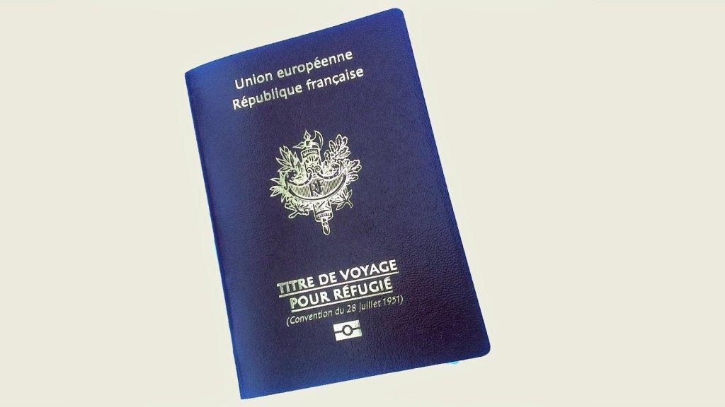وثيقة سفر للاجئ في فرنسا   مصدر: مهاجر نيوز