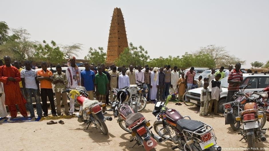 Many of Algerias deportees eventually end up in Nigers largest city Agadez  PHOTO picture-allianceDesign PicsA Arzoz