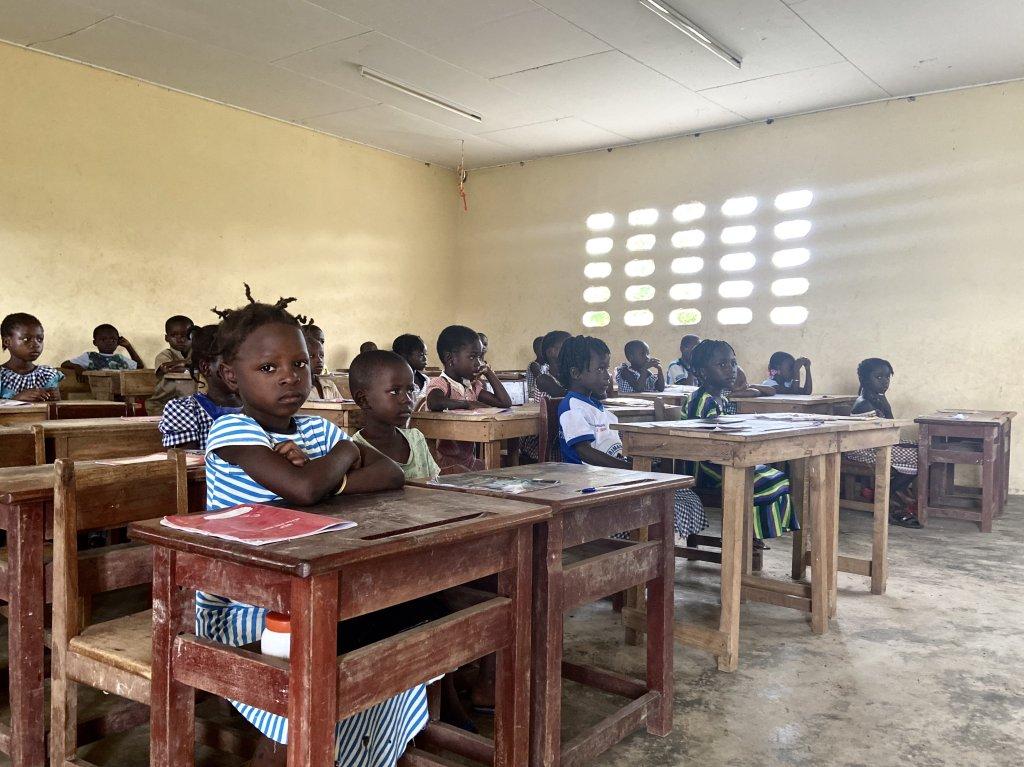 Ces enfants en petite section de lcole primaire de Zeaglo dans louest de la Cte dIvoire sont presque tous des rapatris Crdit  Anne-Diandra Louarn  InfoMigrants