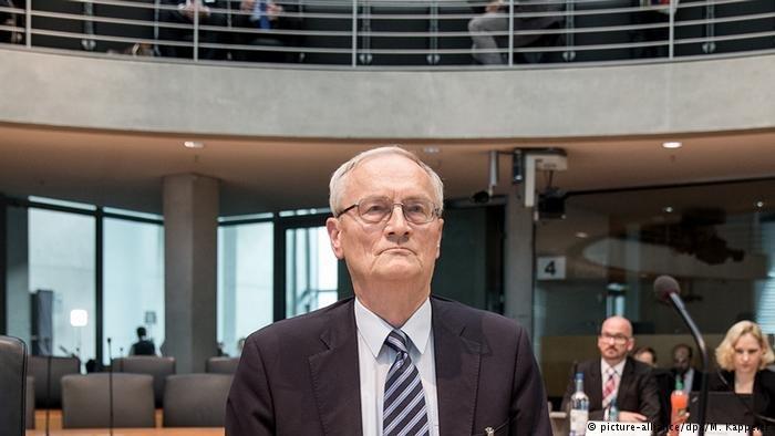 picture-alliance/dpa/M. Kappeler |المسؤول الأمني الألماني السابق أوغست هانينغ، أرشيف
