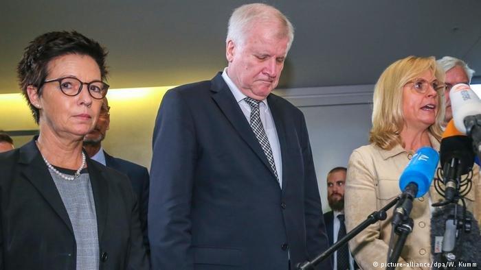 BAMF Chief Jutta Cordt and Interior Minister Horst Seehofer