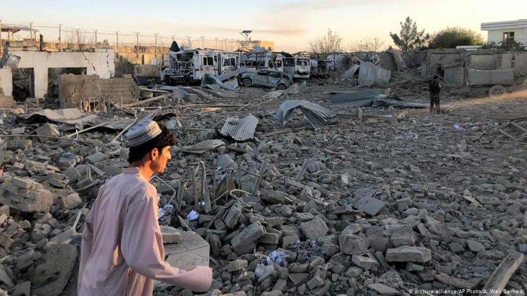 خشونت و فقر به ویرانی افغانستان منجر شده است/عکس: picture-alliance/AP Photo/A. Wali Sarhadi