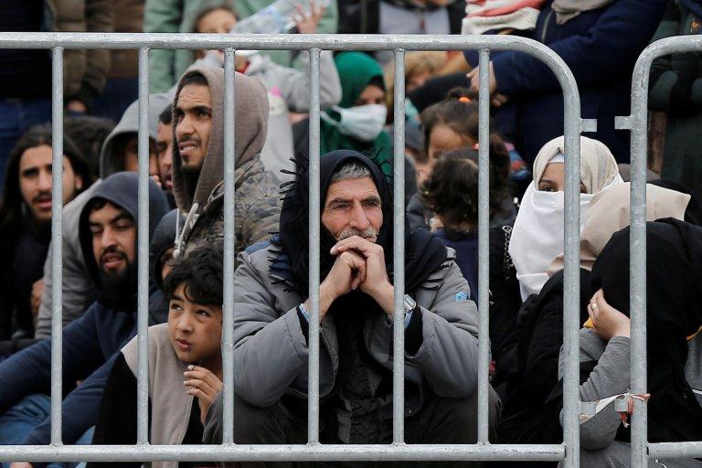 شماری از سازمان های غیردولتی از وضعیت ناگوار پناهجویان در جزایر یونان با توجه به گسترش ویروس کرونا ابراز نگرانی میکنند.