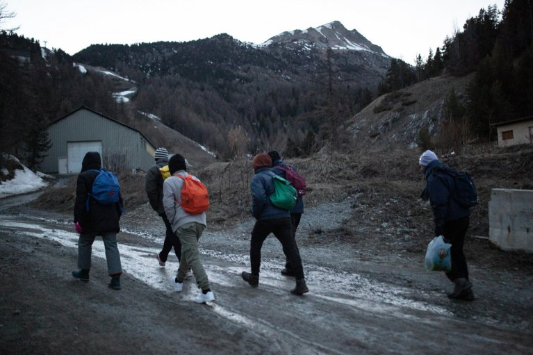 A photo shot by Italian photojournalists Michele Lapini and Valerio Muscella to document the situation at the French-Italian border between Claviere and Montgenevre   Photo: ANSA/MICHELE LAPINI E VALERIO MUSCELLA