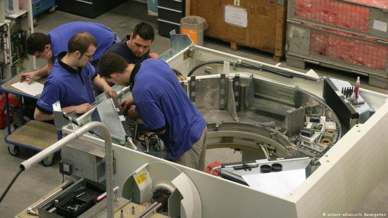 عکس از دویچه وله/ شماری از شرکت های آلمانی نسبت به نبود کارگران حرفهیی ابراز نگرانی کرده اند.