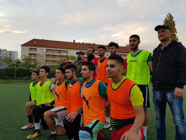 فريق عامودا الرياضي في النمسا مع بعص أعضاء الهيئة الإدارية/مهاجرنيوز