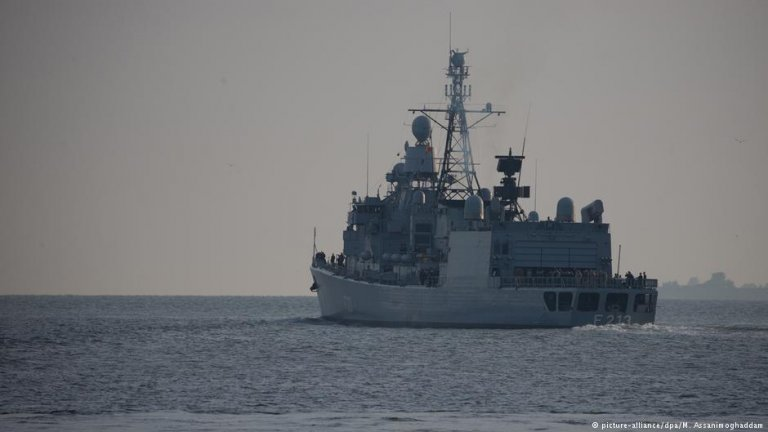 The frigate Augsburg | Photo: Picture-alliance/dpa/M.Assanimoghaddam