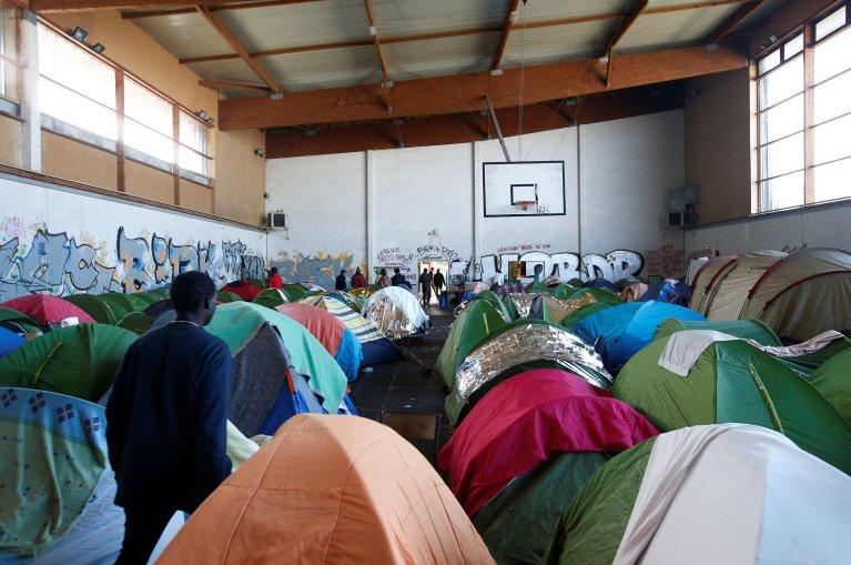 صالة رياضية مأوى للمهاجرين، المصدر: رويترز