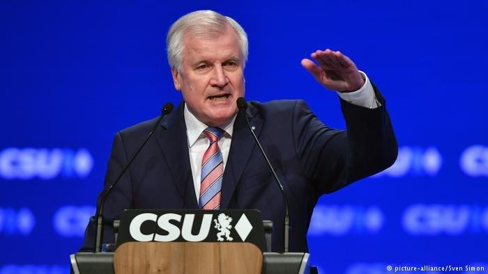هورست زيهوفر وزیر الداخلية الألماني