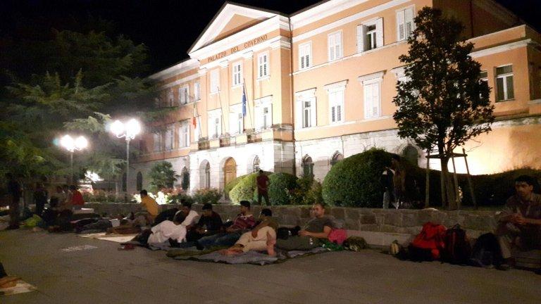 ansa / إيطاليا: أطباء بلا حدود تدعو لوقف معاناة المهاجرين في مدينة جوريزيا
