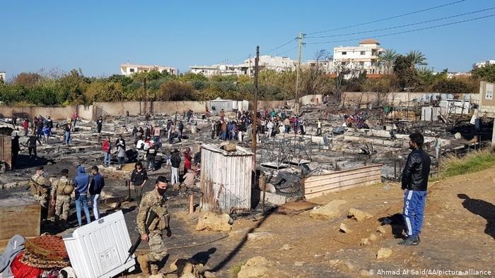 ما تبقى من مخيم بلدة بحنين- المنية بشمال لبنان بعد الحريق العمد (27/12/2020)