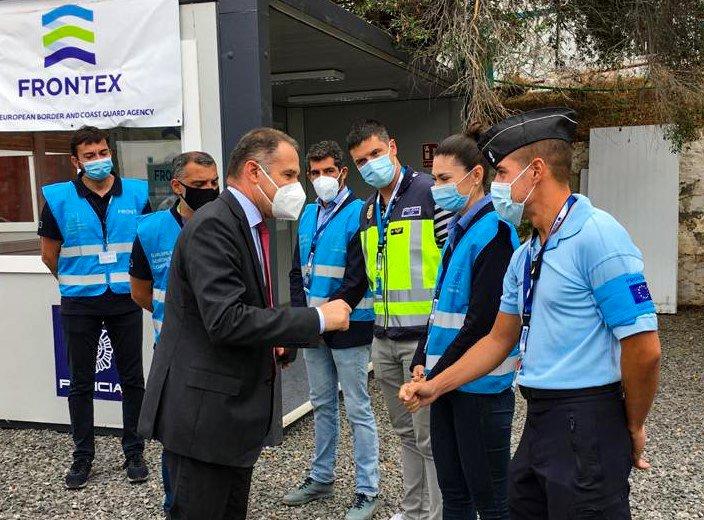 Fabrice Leggeri a rencontré des agents de Frontex présents aux Canaries. Crédit : Frontex
