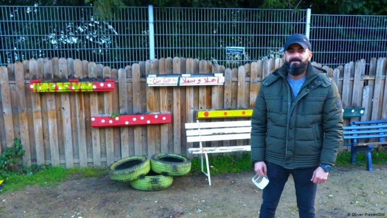 Samir Al Jubouri at Bonn's refugee center | Photo: Oliver Pieper/DW