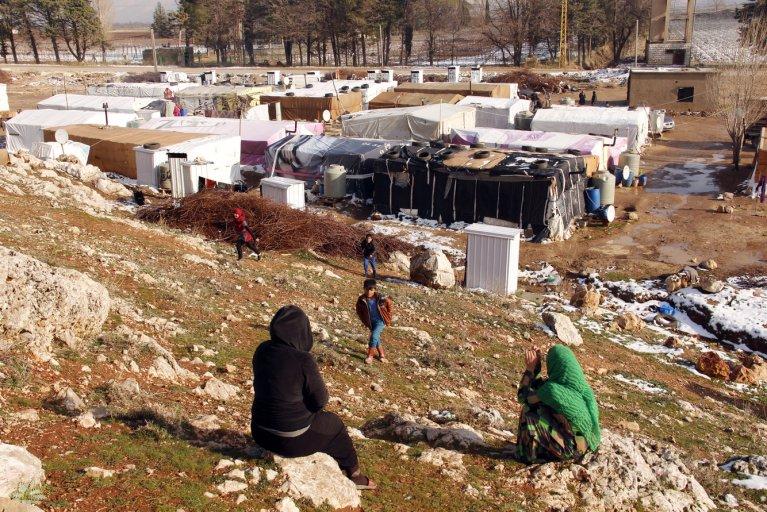 AFP/HASSAN JARRAH |Des réfugiés syriens dans un camp situé dans la vallée de la Bekaa au Liban, le 26 janvier 2016.