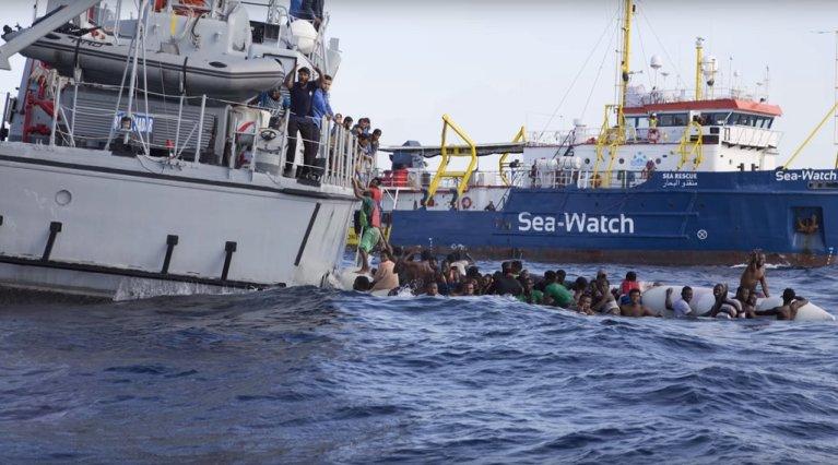 """تريد منظمة الإنقاذ """"سي ووتش"""" الألمانية أن تتشارك التبرعات التي حصلت عليها مع منظمات الإنقاذ الأخرى. الصورة من الأرشيف"""