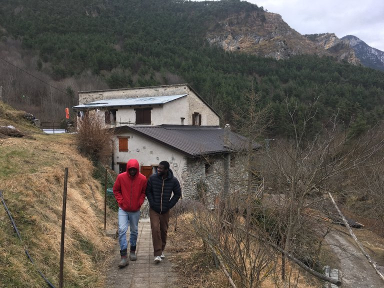 مهاجران في جبال لاروايا/مهاجرنيوز