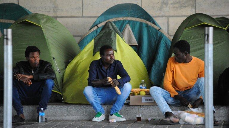 هر سال تعداد زیادی مهاجران از کشور های افریقایی به خاطر کار به اروپا سفر می کنند. عکس از مهاجرنیوز/مهدی شبیل