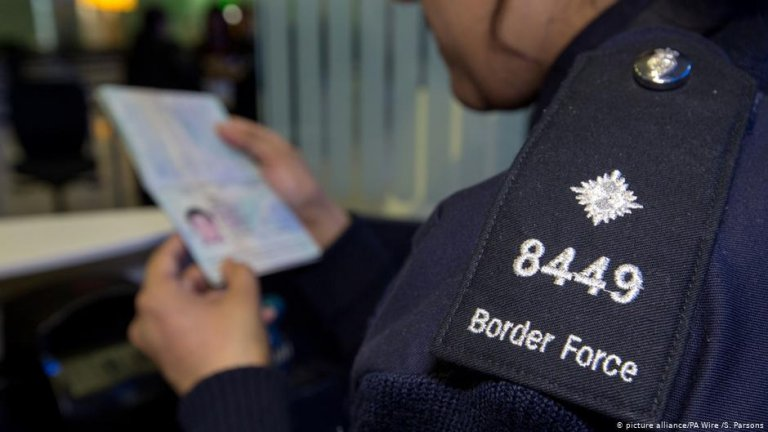 The UK's new immigration system says it wants skilled migrants but a small group are being threatened with deportation claim Migrant Rights Network in a new report | PHOTO: picture-alliance/PA Wire/S. Parsons