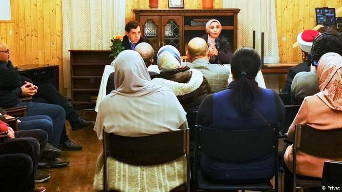 تعقد مبادرة إصلاح ذات البين  محاضرات من أجل توعية الأزواج اللاجئين وإعادة التفاهم إلى عش الزوجية