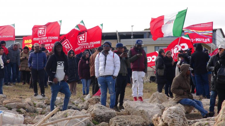 A demonstration organized by CGIL in Siracusa on January 30, 2019 in support of the migrants aboard the Sea Watch  | Photo: ANSA/Domenico Occhipinti