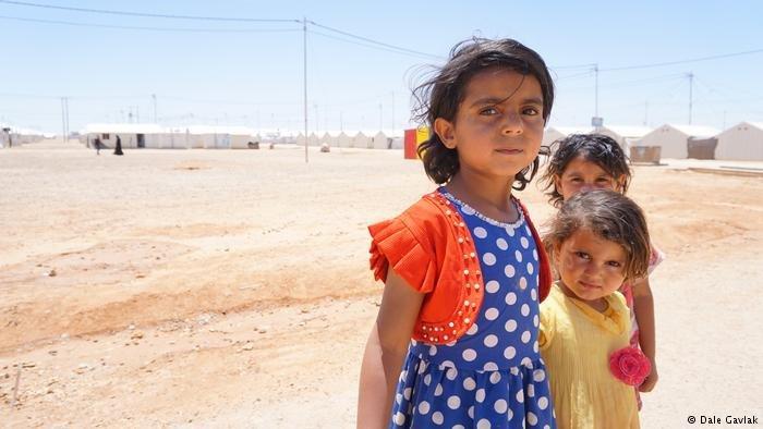 أطفال لاجئون في مخيم الأزرق للاجئين