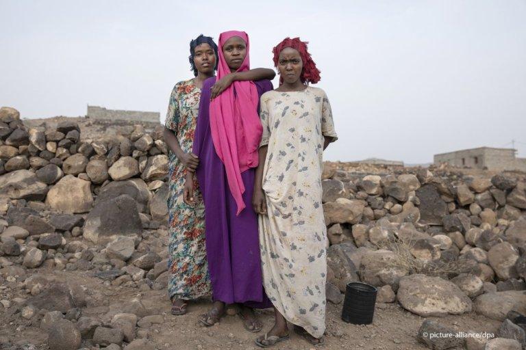 صورة من الأرشيف لثلاث مهاجرات فور وصولهن إلى جيبوتي. المصدر أليانس/ناريمان المفتي