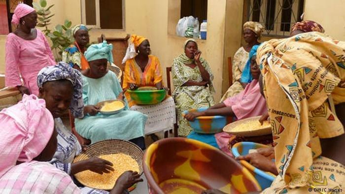 Des femmes à Pikine, Dakar / Copyright : DW/C.Harjes