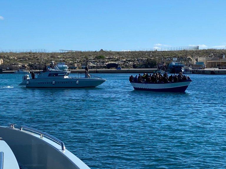 Migrants arrive on Lampedusa on November 1, 2020 | Photo: ANSA
